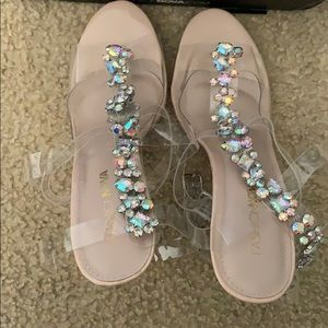 I am selling the shoes I bought from fashion nova!